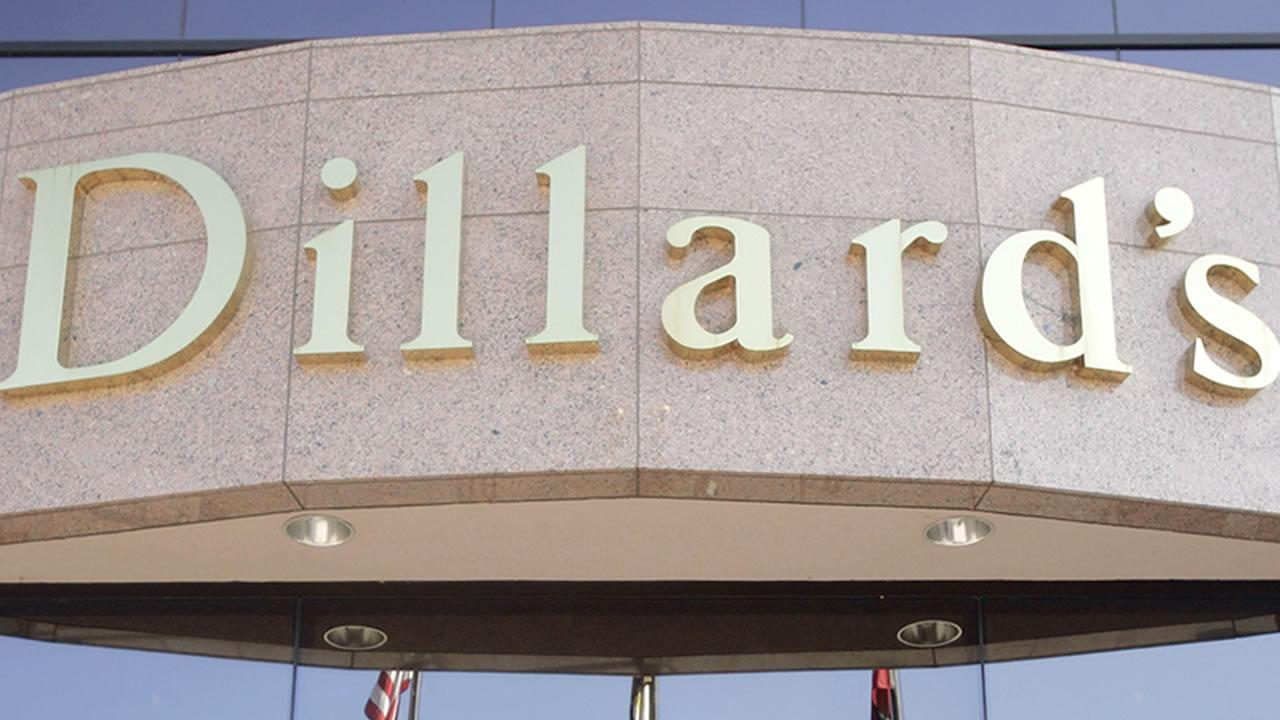An unidentified man enters Dillards, Inc., headquarters building in Little Rock, Ark., before the companys shareholder meeting Saturday, May 21, 2005.Danny Johnston