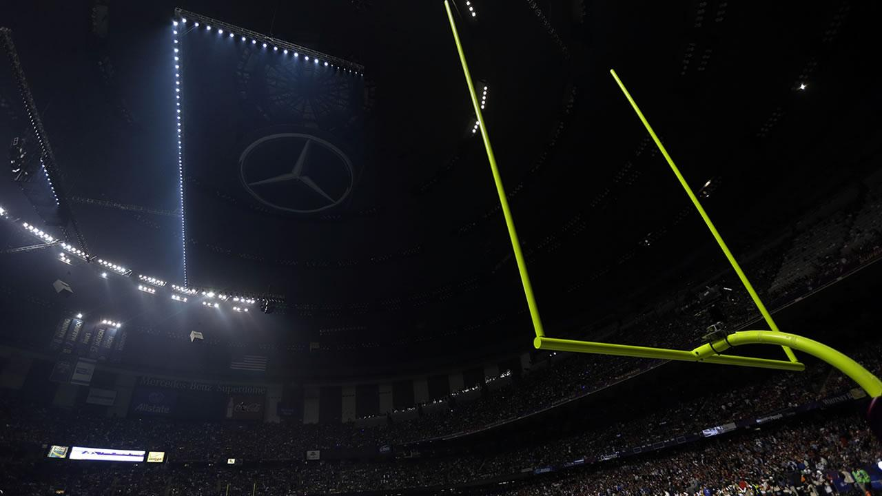 FILE - In this Feb. 3, 2013 file photo, half the lights are out in the Superdome during a power outage in the second half of Super Bowl XLVII between the San Francisco 49ers and Baltimore Ravens, in New Orleans. <span class=meta>(Marcio Sanchez, File)</span>