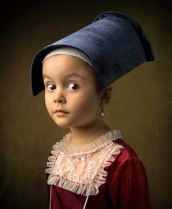 "<div class=""meta ""><span class=""caption-text "">Photographer Bill Gekas recreates famous paintings by Old Masters like Vermeer, Rembrandt, and Raphael - but with his young daughter posing as the subject. The results are stunning (and a little uncanny).  (Bill Gekas/ http://www.billgekas.com)</span></div>"