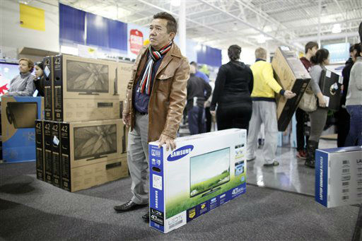 "<div class=""meta ""><span class=""caption-text "">Customers shop for Black Friday discounts at a Best Buy store, Friday Nov 23, 2012, in Northeast Philadelphia.   (AP Photo/ Joseph Kaczmarek)</span></div>"