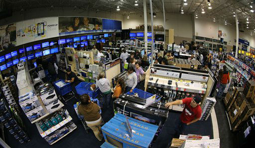 Long lines of customers snake though the aisles waiting to check out, of the Best Buy store in Tyler, Texas, after it opened at midnight.  Sheriff deputies contolled entry and only 1300 people at a time were allowed in to the store marking the beginning of &#34;Black Friday&#34; with &#34;door buster&#34; special deals, on November 23, 2012.    <span class=meta>(AP Photo&#47; Dr. Scott M. Lieberman)</span>