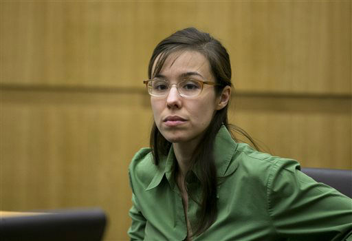 Defendant Jodi Arias looks at the jury as they enter the courtroom during her trial at Maricopa County Superior Court in Phoenix on Wednesday, April 17, 2013.    <span class=meta>(AP Photo&#47; David Wallace)</span>