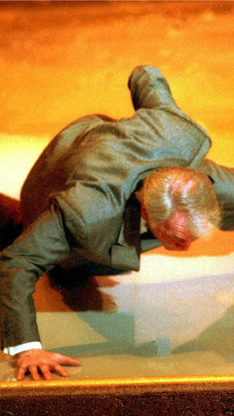 That time when Jack Palance said producers worried about his age and then...  Palance did a one-handed push-up on stage after winning an Oscar for best actor in a supporting role for his performance in the film &#34;City Slickers.&#34;  Year: 1992 <span class=meta>(Photo&#47;CRAIG FUJI)</span>