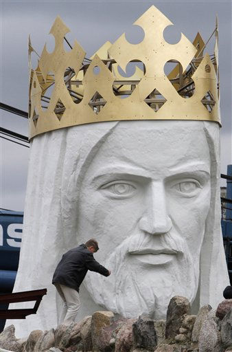 Workers prepare to lift a 32-ton head and shoulders to top a giant concrete and metal statue of Jesus in Swiebodzin, western Poland, Friday, Nov.5, 2010. The 108 feet statue is said to be the world&#39;s tallest and is supposed to attract pilgrims and boost business in the town.  <span class=meta>(AP Photo&#47; Czarek Sokolowski)</span>