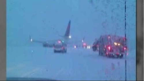 Slip and slide landing Headache factor: 6 Delta passengers in Wisconsin had to hop off their plane a little ahead of schedule when it skidded off the snowy taxiway. The entire airport was shut down for an hour while crews made the runways safe again.  Next up: That wasn&#39;t supposed to inflate <span class=meta>(Photo&#47;WPVI)</span>
