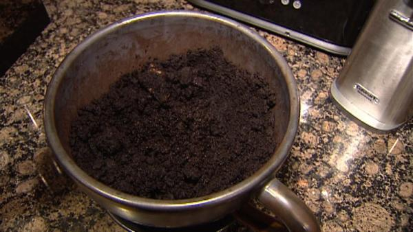 Complete Episode: Uses for Coffee Grounds