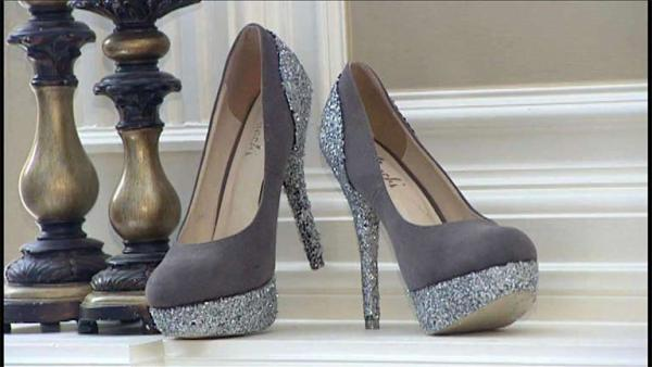 Complete Episode: Glam Shoe Makeover