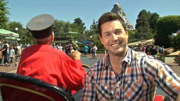 Complete Episode: Food Rush in Disneyland