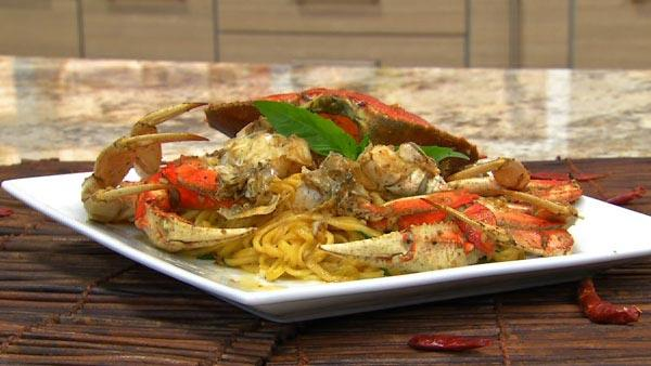 Garlic Crab with Noodles