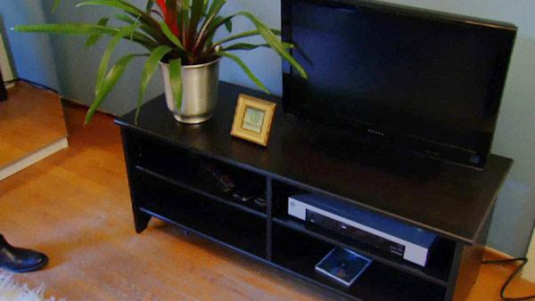 Web Exclusive: A Sleek Set-up for Your TV