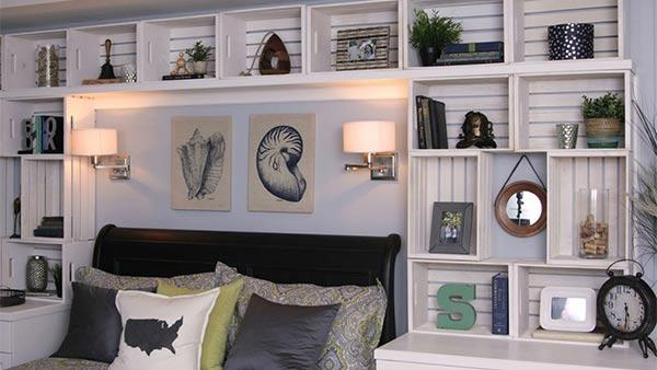DIY Built-In Bookshelves from Crates