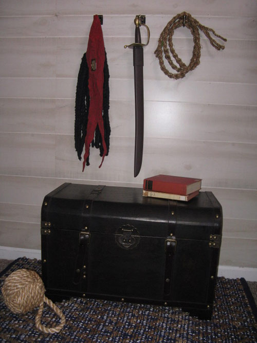 Treasure chest, sword and rope fit for a pirate...