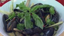 Coconut Steamed Mussels with Lemongrass, Hum and Thai Chilies