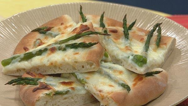 Asparagus Mornay Pizza