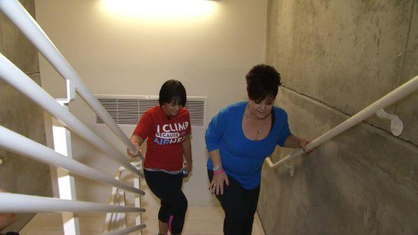 Ali Vincent Challenges Mom to 13-Story Climb