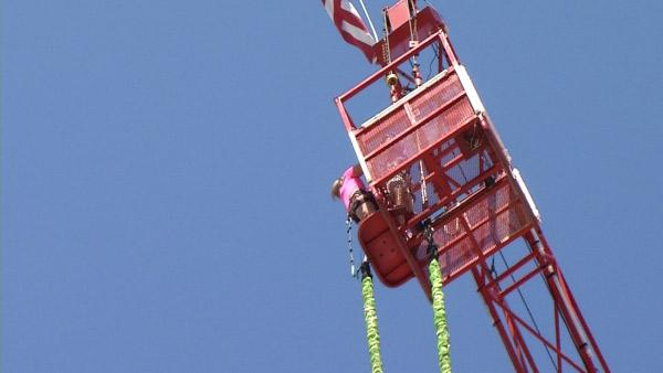 Ali Vincent Takes a 130-feet High Bungee Jump
