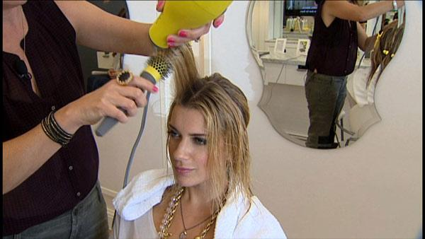 How to Get a Salon Blow Out at Home
