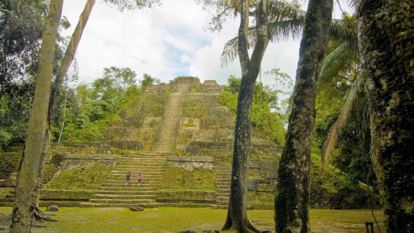 Exploring Lamanai Maya Ruins
