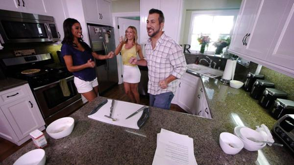 Complete Episode: Rachel Smith, Kym Johnson in the Kitchen