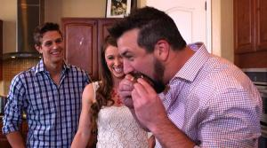 Caveman Joey Fatone chows down on Audrey Barberas cilantro lime chicken.