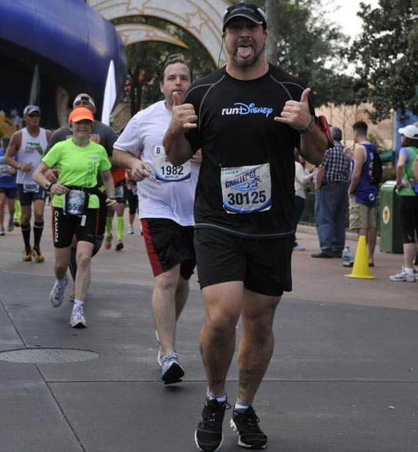 Joey Fatone running in his first marathon.