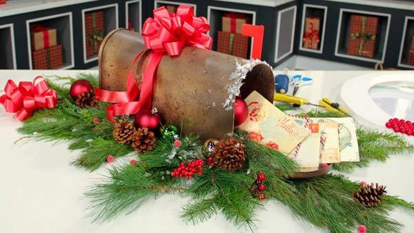 Complete Episode: Santa's Mailbox Centrepiece